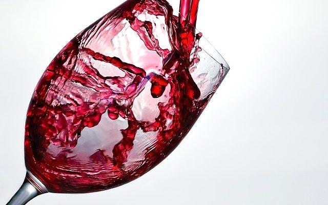 Consommer un verre de vin par jour fait baisser le taux de cholestérol