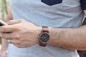 montre en bois : un accessoire mode